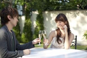 セレブ女性とデートする画像