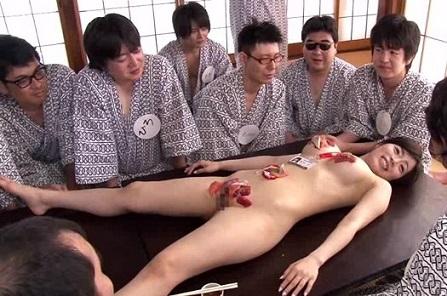 女体盛り エロ画像1