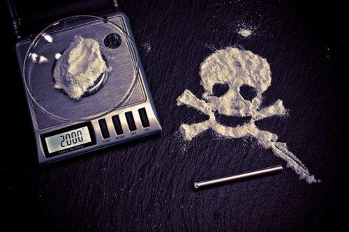 drugs-1276787_640